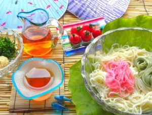 色鮮やかな素麺